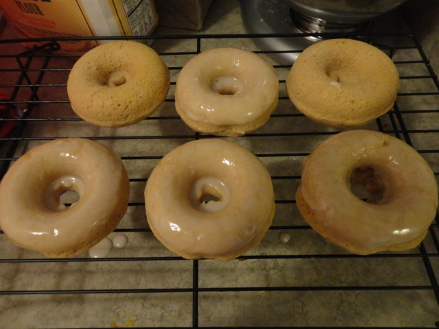 Some with glaze, some without.  Definitely recommend the glaze, though.